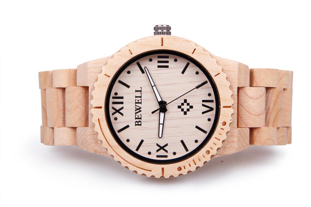 Dřevěné reklamní hodinky